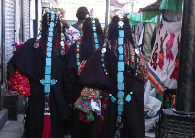 Tibetan-women-traditional-attire